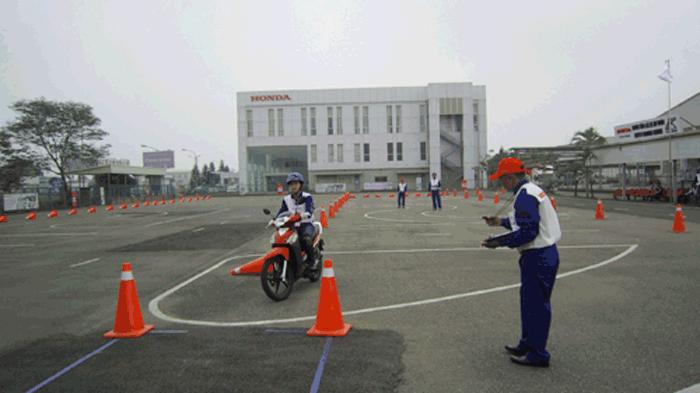 thi bằng lái xe máy quận cầu giấy 2