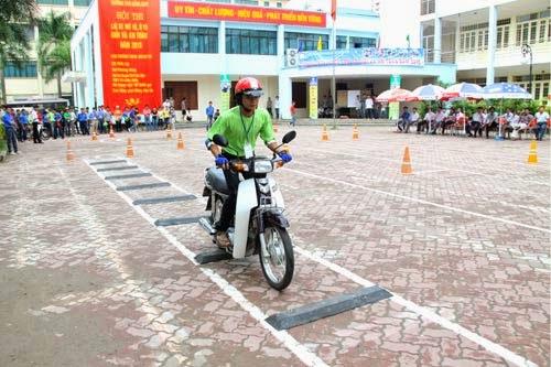 Nơi nào tổ chức thi bằng lái xe máy quận Hà Đông uy tín? 1