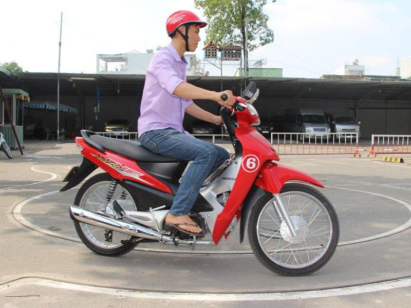 Liên hệ trung tâm thi bằng lái xe Hà Nội để có được bằng lái xe một cách nhanh chóng