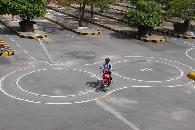 Bật mí cách thi bằng lái xe máy nhanh chóng - dễ dàng nhất 2